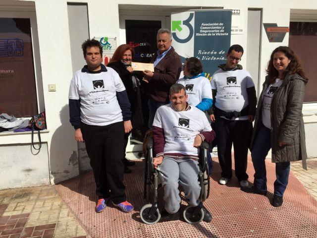 Acerv y Amirax impulsan la concienciación hacia el colectivo de minusválidos de Rincón de la Victoria
