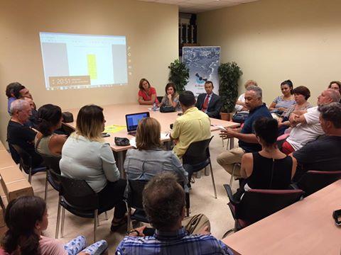 Reunión con todos los participantes de la feria de oportunidades OutletPasión