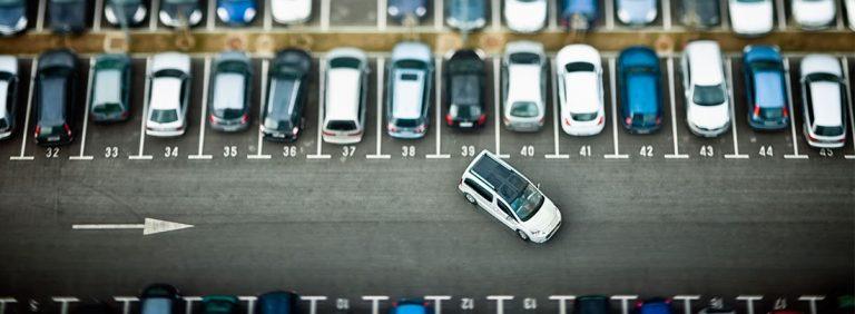 ACERV pide al Ayuntamiento que libere zonas de aparcamiento reservado en desuso